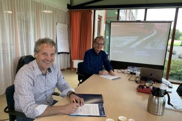 Ondertekening overeenkomst Partoer-Caparis